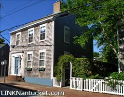 17 Pine Street, Town | BA:  4.1 | BR: 4 | $2695000 (1)