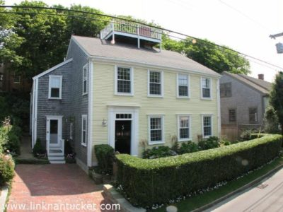 17 Lily Street, Town   BA:  3.1   BR: 4   $2695000 (1)