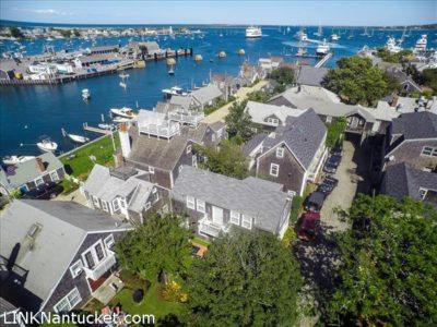10 Still Dock, Town | BA:  2.1 | BR: 2 | $2250000 (1)