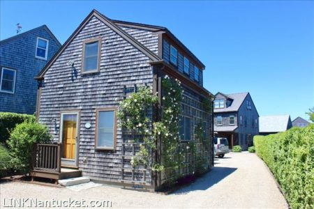 104 Old South Road, Mid Island | BA:  5.1 | BR: 6 | $1100000 (1)
