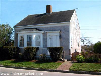 160 Main Street, Town   BA:  2.0   BR: 3   $899000 (1)