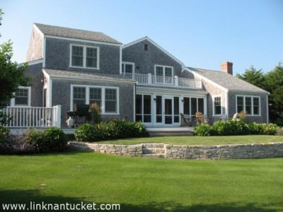 76 West Chester Street, Town | BA:  3.1 | BR: 4 | $2950000 (1)