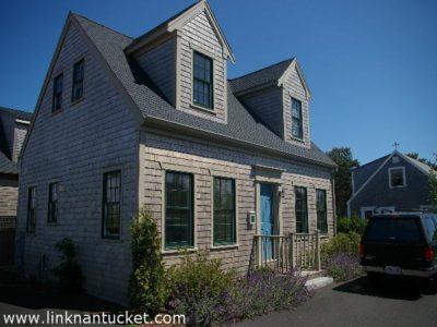 16B Nobadeer Farm Road, Mid Island   BA:  3.0   BR: 2   $470000 (1)