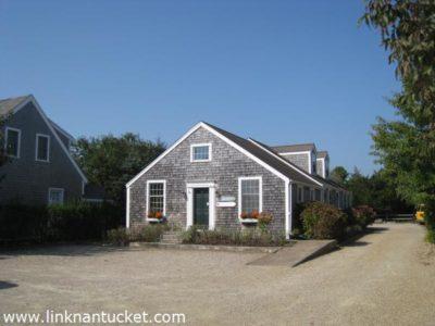 13 Essex Road, Mid Island   BA:  3.0   BR: 4   $449000 (1)