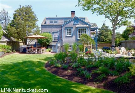 52 West Chester Street, Town | BA:  2.0 | BR: 3 | $1999000 (1)
