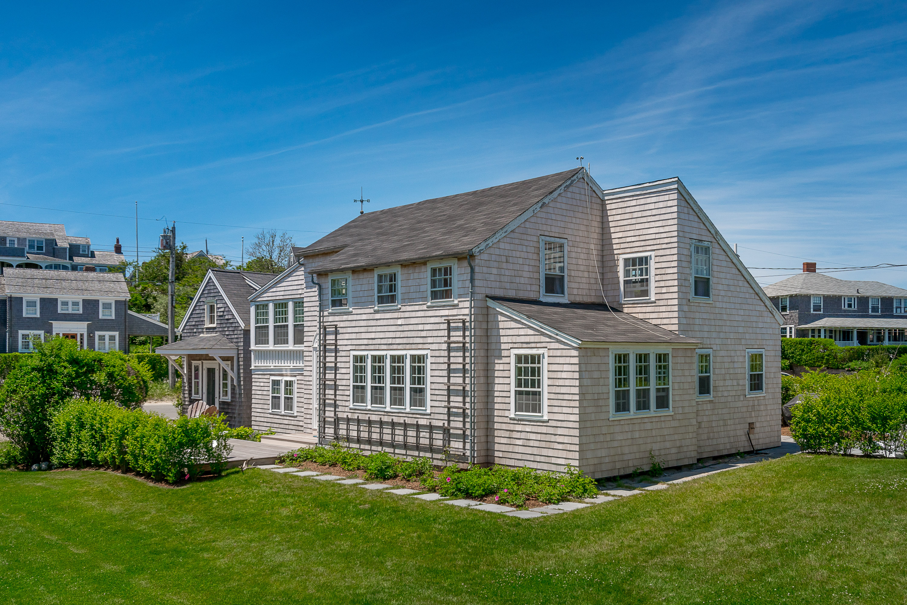 21 Jefferson Avenue|Brant Point | sale