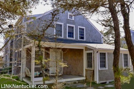 75 Hinsdale Road, Mid Island | BA:  4.0 | BR: 4 | $799000 (1)