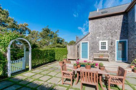 136 Miacomet Road, Cottage | BA:  3.0 | BR: 4 | $9500 (21)
