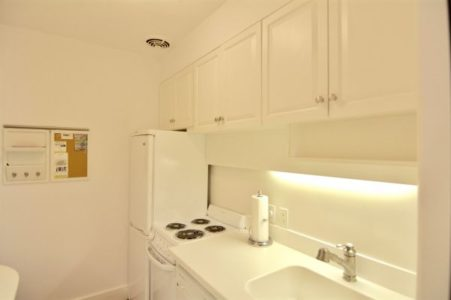 95 Orange Street Unit #2 | BA:  1. | BR: 1 | $2000 (5)
