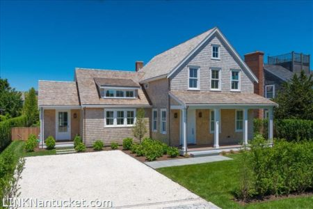59 West Chester Street, Town | BA:  5.1 | BR: 4 | $4995000 (1)
