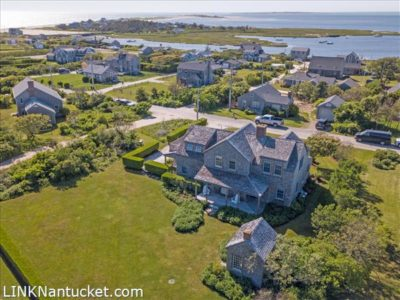 3 Washington Avenue, Nantucket, MA | BA:  3.1 | BR: 2 | $2395000 (1)