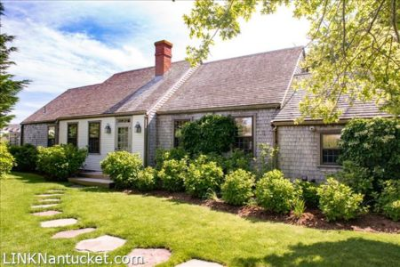 62 West Chester Street, Town | BA:  2.1 | BR: 4 | $2695000 (1)