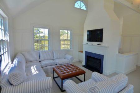 136 Miacomet Road, Cottage | BA:  3.0 | BR: 4 | $9500 (4)