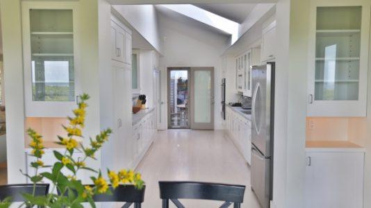 33 Nonantum Avenue | BA:  3.1 | BR: 4 | $15500 (6)