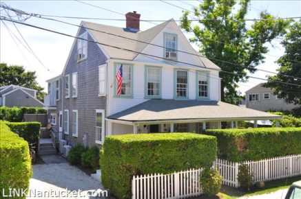 4 Magnolia Avenue, Nantucket, MA | BA:  4.1 | BR: 8 | $1980000 (1)