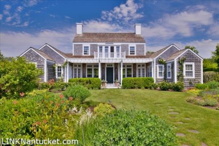 7 Hedge Row, Nantucket, MA | BA:  3.1 | BR: 4 | $3425000 (1)