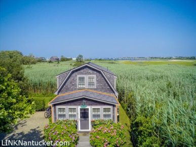 110 Orange Street, Nantucket, MA | BA:  1.0 | BR: 1 | $740000 (1)