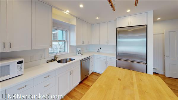 4 Hulbert Avenue | BA:  9.2 | BR: 7 | $4850000 (7)
