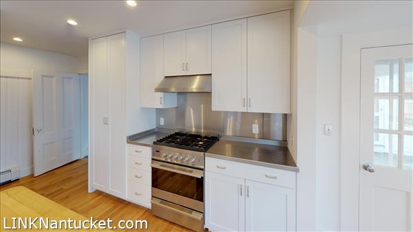 4 Hulbert Avenue | BA:  9.2 | BR: 7 | $4850000 (8)