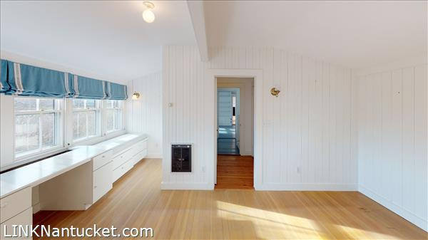 4 Hulbert Avenue | BA:  9.2 | BR: 7 | $4850000 (19)