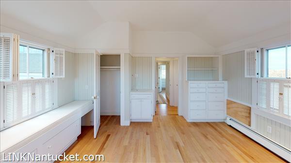 4 Hulbert Avenue | BA:  9.2 | BR: 7 | $4850000 (20)