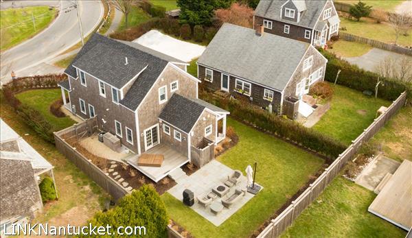 8 Sparks Avenue   BA:  4.2   BR: 6   $1695000 (1)