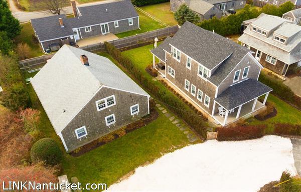 8 Sparks Avenue   BA:  4.2   BR: 6   $1695000 (39)