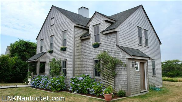 9 Meetinghouse Lane   BA:  3.1   BR: 4   $2100000 (1)