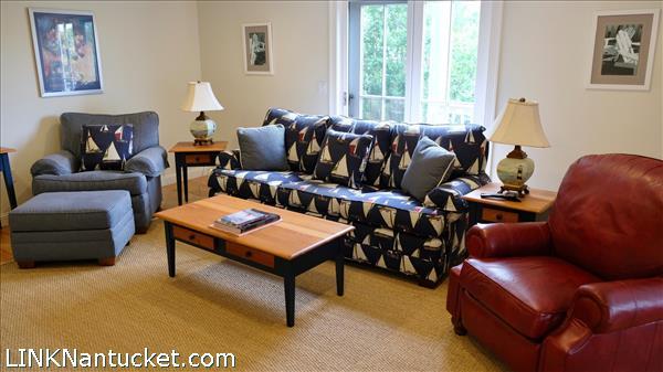 9 Meetinghouse Lane   BA:  3.1   BR: 4   $2100000 (18)