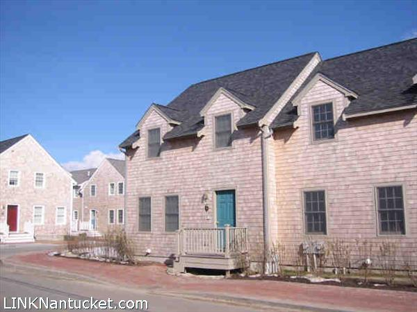 16B Park Circle, Mid Island   BA:  2.1   BR: 2   $560000 (1)