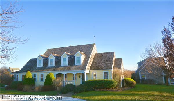 174 Cliff Road, Nantucket, MA | BA:  4.1 | BR: 3 | $2900000 (1)