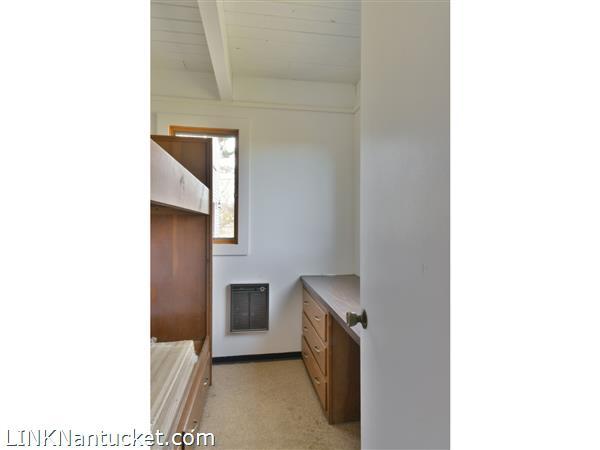 74 Arkansas Avenue   BA:  2.0   BR: 3   $599000 (5)