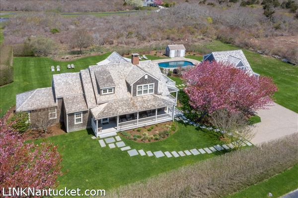 19 Cannonbury Lane & 4 Reaper Circle, Nantucket, MA | BA:  5.1 | BR: 6 | $2995000 (1)