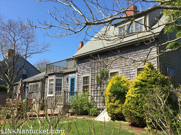 32 York Street, Nantucket, MA   BA:  3.1   BR: 4   $1770000 (1)