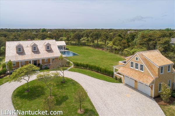 18 Gladlands Avenue, Nantucket, MA | BA:  5.2 | BR: 5 | $4495000 (1)