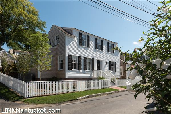 11 Lily Street | BA:  6.2 | BR: 6 | $5925000 (2)