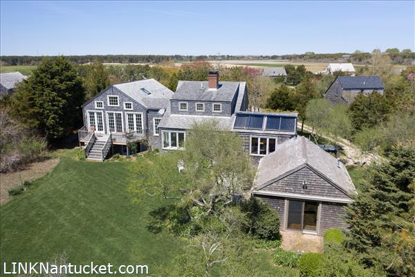 10 R Golfview Drive (Sub-division off  of Lot 70)   BA:  4.0   BR: 4   $1595000 (11)