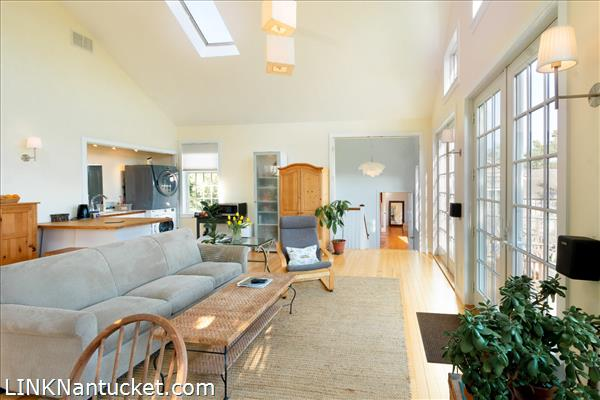 10 R Golfview Drive (Sub-division off  of Lot 70)   BA:  4.0   BR: 4   $1595000 (15)