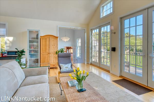 10 R Golfview Drive (Sub-division off  of Lot 70)   BA:  4.0   BR: 4   $1595000 (16)