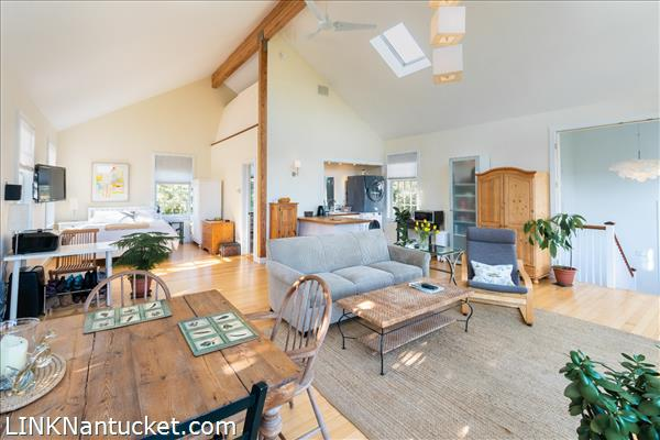 10 R Golfview Drive (Sub-division off  of Lot 70)   BA:  4.0   BR: 4   $1595000 (17)