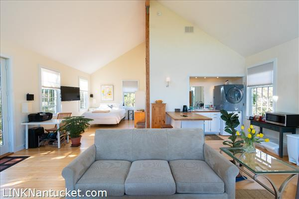 10 R Golfview Drive (Sub-division off  of Lot 70)   BA:  4.0   BR: 4   $1595000 (18)