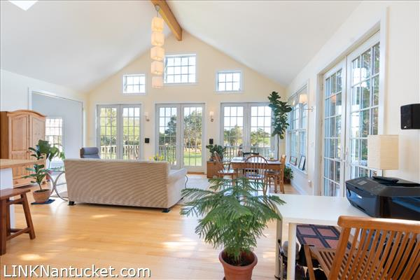 10 R Golfview Drive (Sub-division off  of Lot 70)   BA:  4.0   BR: 4   $1595000 (3)