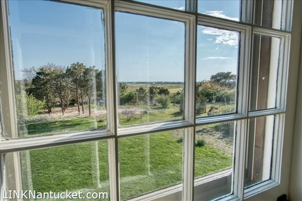 10 R Golfview Drive (Sub-division off  of Lot 70)   BA:  4.0   BR: 4   $1595000 (34)