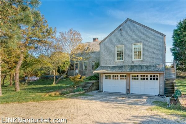 10 R Golfview Drive (Sub-division off  of Lot 70)   BA:  4.0   BR: 4   $1595000 (2)