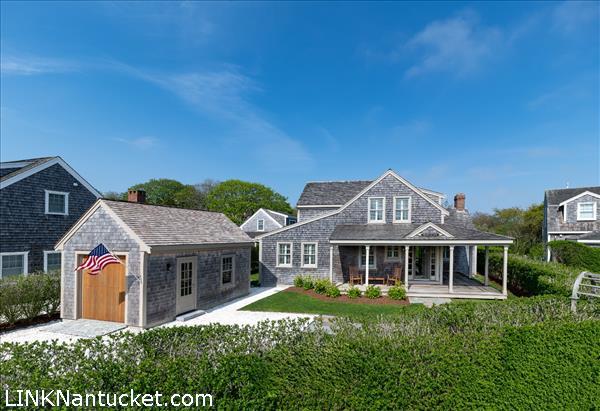 10 Aurora Way, Nantucket, MA   BA:  3.1   BR: 4   $2395000 (1)