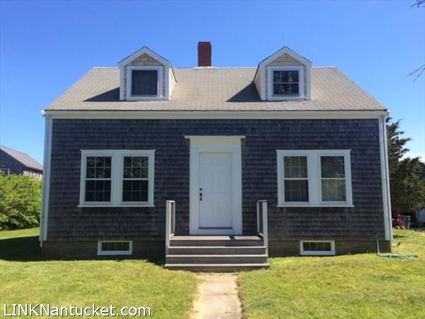 21 Hummock Pond Road, Nantucket, MA   BA:  1.0   BR: 3   $939000 (1)