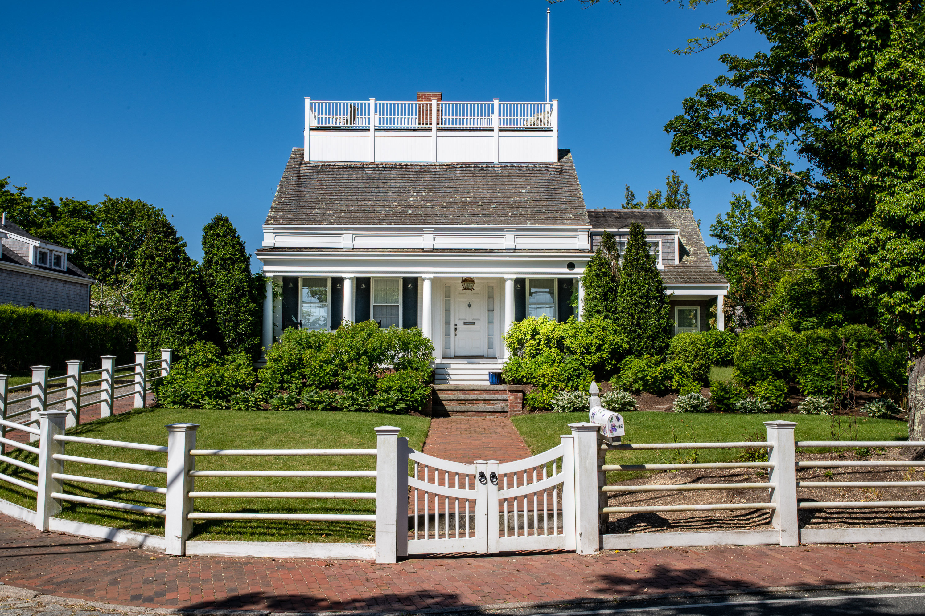 18 Cliff Road, Nantucket MA 02554|Cliff | sale