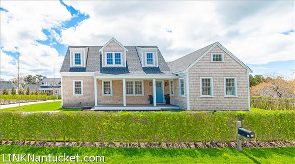 10A Gray Avenue, Nantucket, MA | BA:  4.1 | BR: 4 | $1995000 (1)