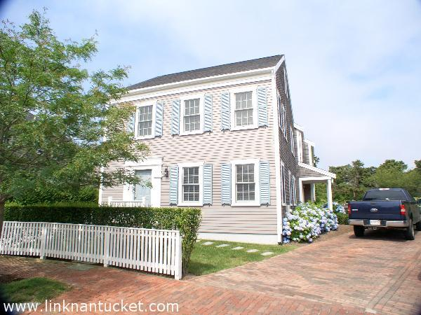 11A Witherspoon Drive, Mid Island | BA:  2.1 | BR: 3 | $787000 (1)
