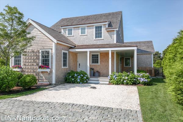 4 Cranberry Lane, Nantucket, MA | BA:  4.1 | BR: 3 | $2195000 (1)